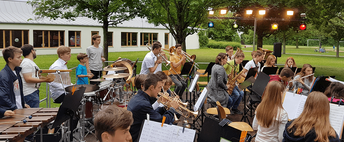 Musikverein Grafenrheinfeld Sommerserenade Serenade 2017 SBO JBO Youngsters Fahrradhalle