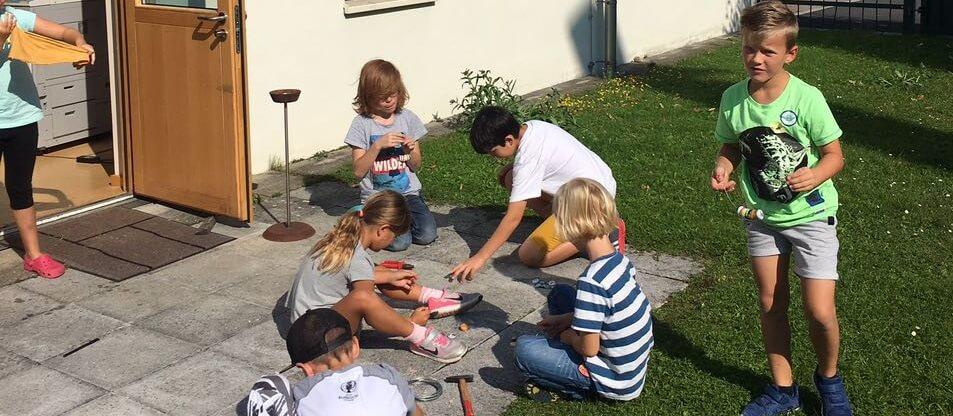 Musikverein Grafenrheinfeld Ferienprogramm Instrumente aus dem Baumarkt 2017 Juliane Fehn Linus Ferienspaß