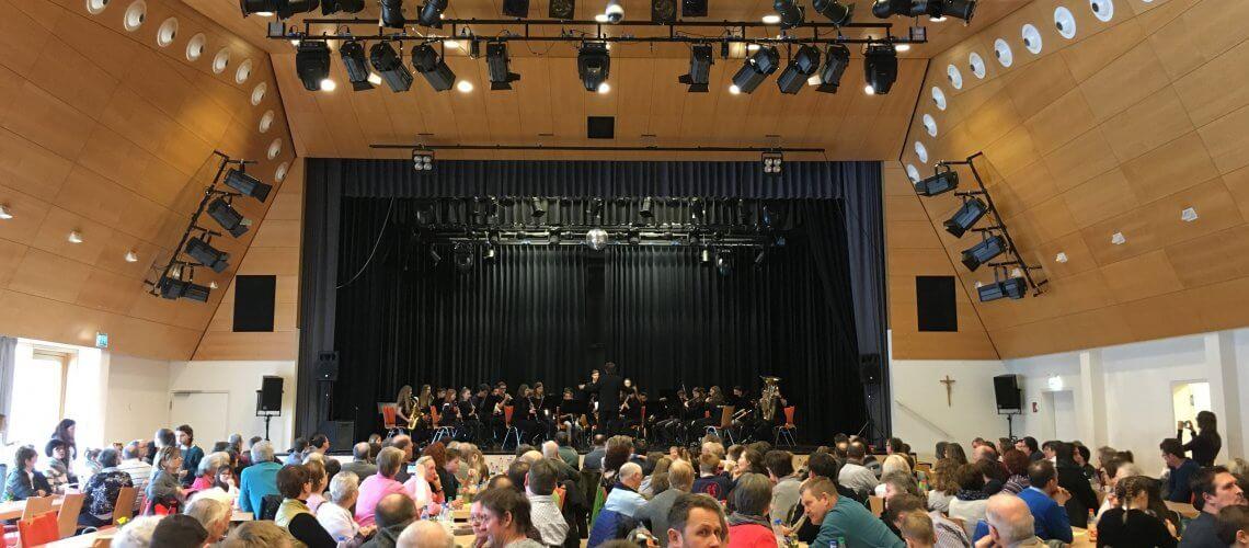 Gemeinschaftskonzert Nachwuchsorchester Landkreis Schweinfurt Grafenrheinfeld Werneck Waigolshausen Theilheim Eßleben 2018 Kulturhalle Musikverein Nachwuchs Jugend Blasmusik Jugendblasorchester JBO Youngsters