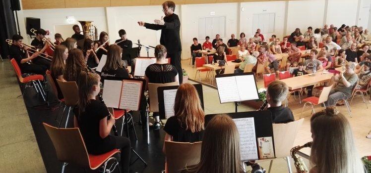 Musikverein Grafenrheinfeld Jürgen Elsen Nachwuchsorchester JBO Youngsters Erwachsenenbläserklasse Schweinfurt Grafenrheinfeld Familientag Konzert