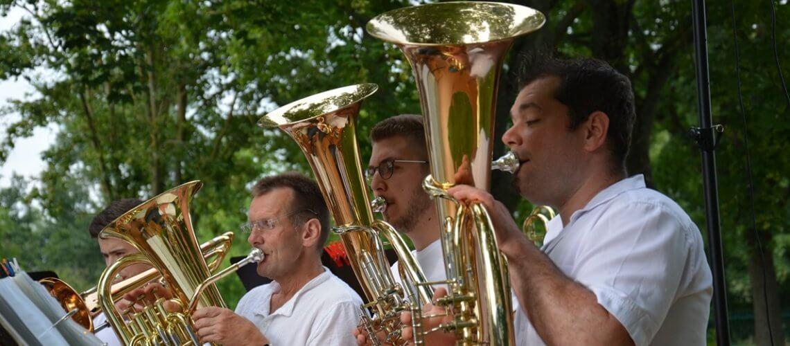 Musikverein Grafenrheinfeld Rafelder Musikanten Blasmusik Serenade Dominik Berchtold Johannes Stephan Tenorhorn Euphonium Fahrradhalle Grafenrheinfeld Schweinfurt