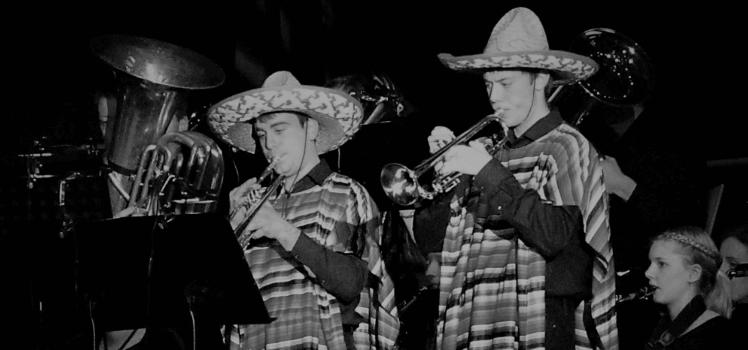 Musikverein Grafenrheinfeld blackandwhitechallenge Black and white Challenge 2019 SBO Symphonisches Blasorchester Frühjahrskonzert T-bone concerto Marius Berchtold Christian Berger Mexikaner in Böhmen