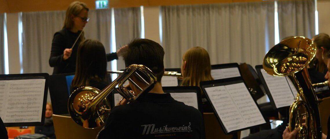 Musikverein Grafenrheinfeld Familientag 2019 Kulturhalle Youngsters JBO Jugendblasorchester Magdalena Haßelbacher Dirigentin Dirigent