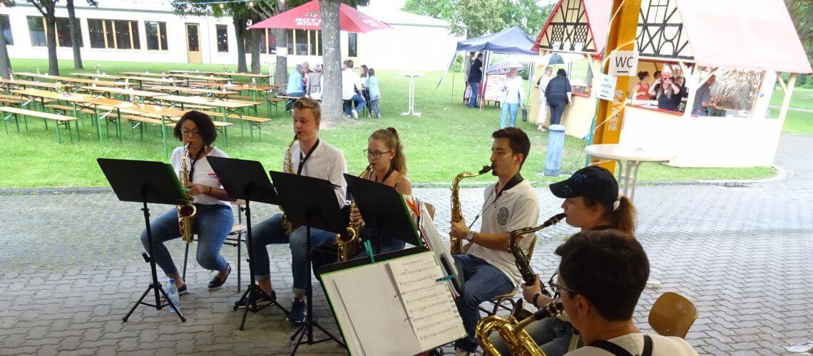Musikverein Grafenrheinfeld Serenade 2019 Saxxy Rafelder Ensemble Saxophon Sax Swing Blasmusik Symphonisch Fahrradhalle an der Grundschule Rafeld Schweinfurt Franken