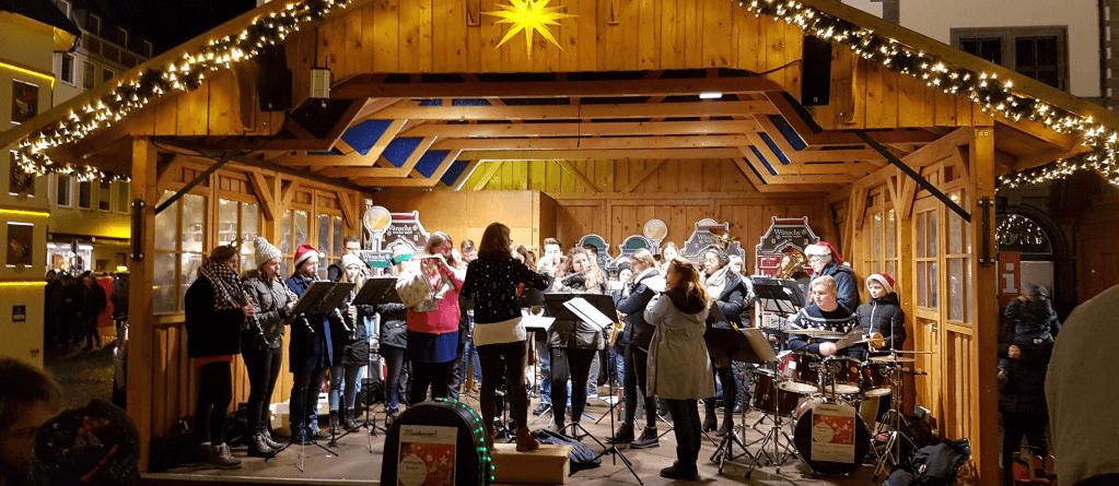 Musikverein Grafenrheinfeld SBO Symphonisches Blasorchester JBO Jugendblasorchester Weihnachtsmarkt Schweinfurt Magdalena Magi Haßelbacher