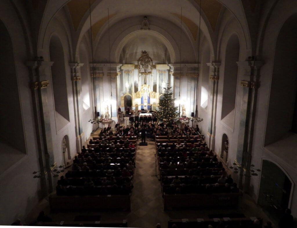 Kirche Grafenrheinfeld SBO Symphonisches Blasorchester Weihnachten Raphael Schollenberger Dirigent Rafeld Schweinfurt Orchester Musik