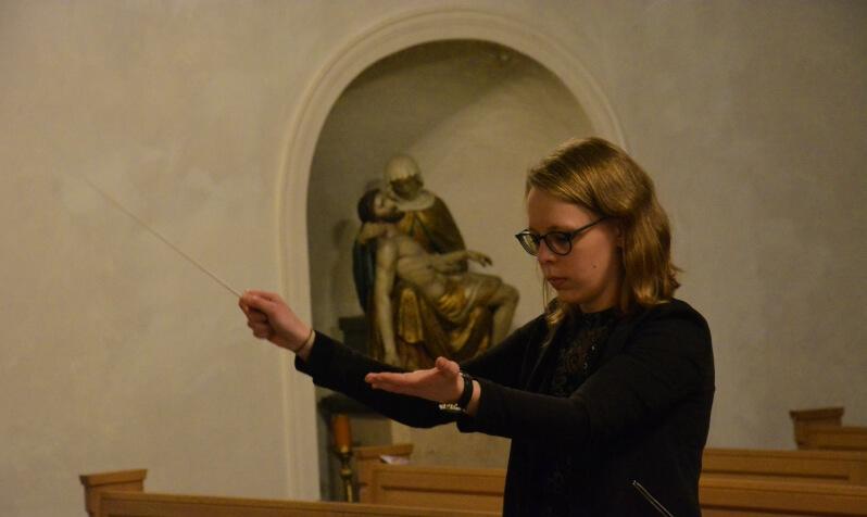 Musikverein Grafenrheinfeld Magdalena Haßelbacher Dirigentin JBO Jugendblasorchester Youngsters Nachwuchs Orchester Musik Rafeld Weihnachten Kirche